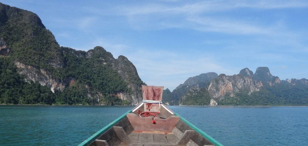Khao Sok - exploring the lake on a boat tour