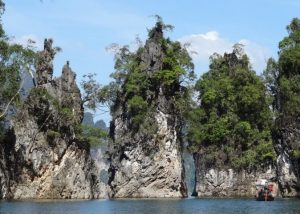 Khao Sok - the iconic landmark stones